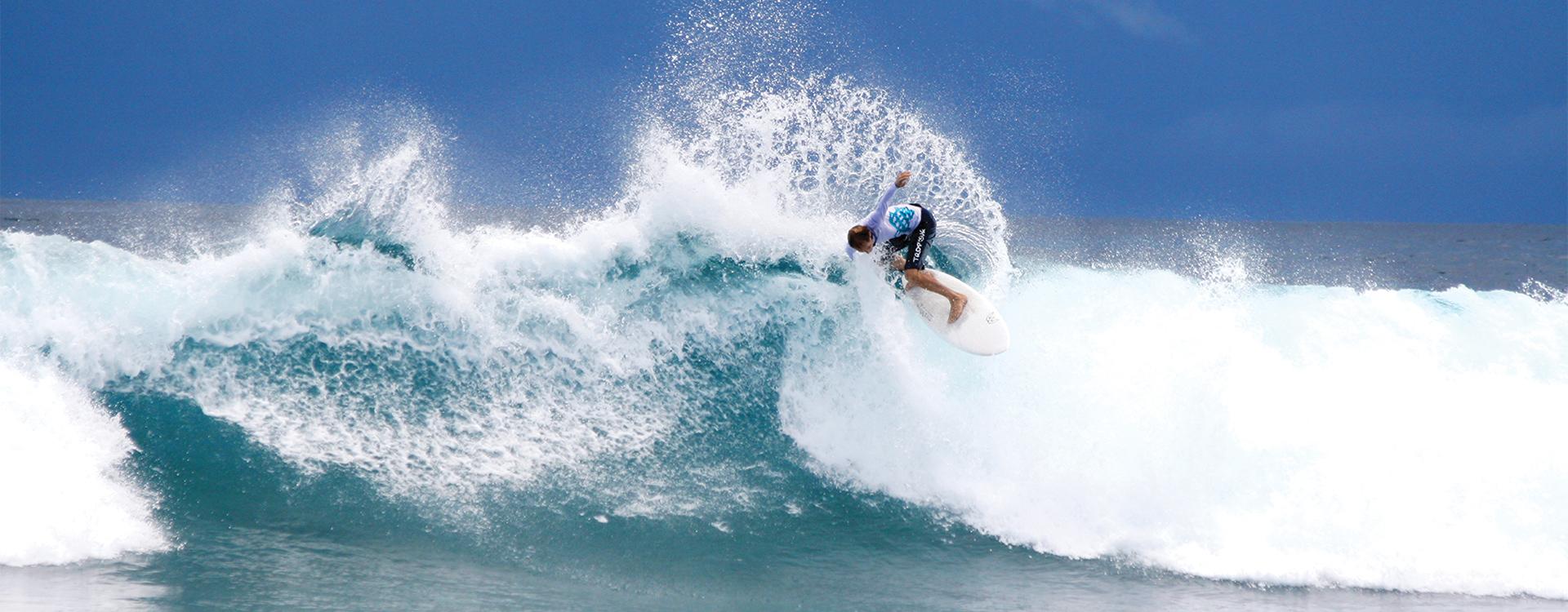 Seaplane Surfing